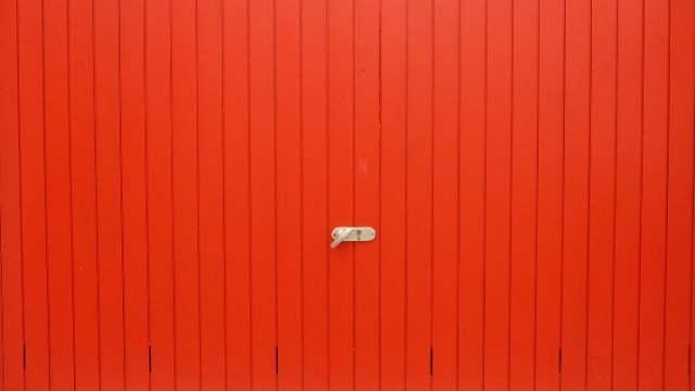 Jak zabezpieczyć bramę garażową