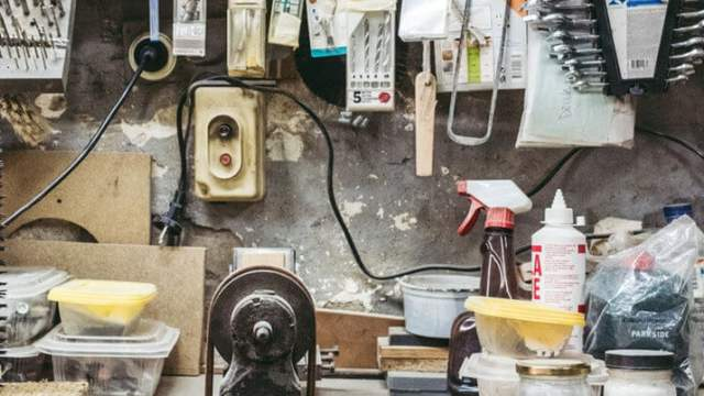 Poddasze garażu blaszanego