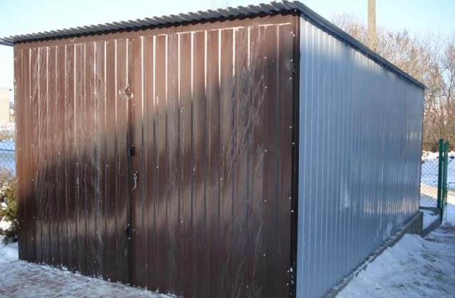 Garaż blaszany 3x5m z bramą dwuskrzydłową