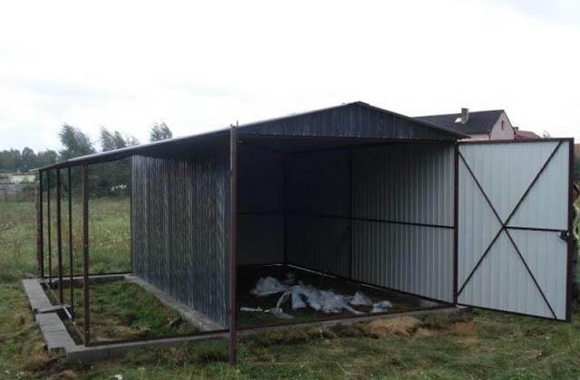 Garaż blaszany 3x5m ciemno brązowy z zadaszeniem