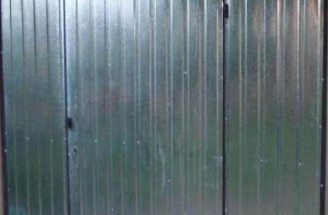 Garaż blaszany 3x5m z drzwiami wejściowymi