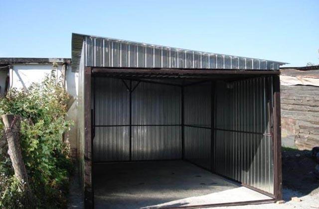 Garaż blaszany 3x5m z podnoszoną bramą