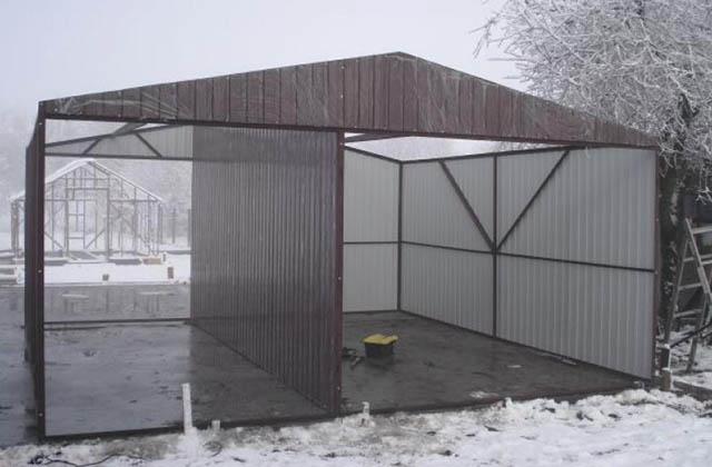 Garaż blaszany 3x5m z zadaszeniem