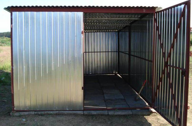 Garaż blaszany 3x6m